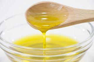 <おいしい情報をお届けするコラム>「油」と「脂」の違いを知っていますか?食用油を使い分けてみよう